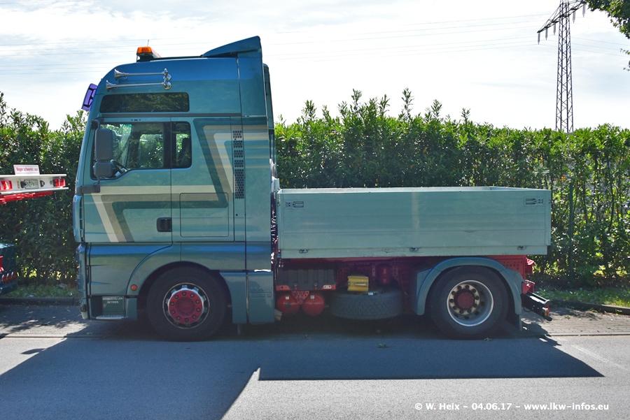 20170605-Schaustellerfahrzeuge-00027.jpg