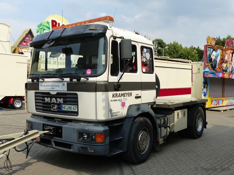 20171209-Schaustellerfahrzeuge-00012.jpg