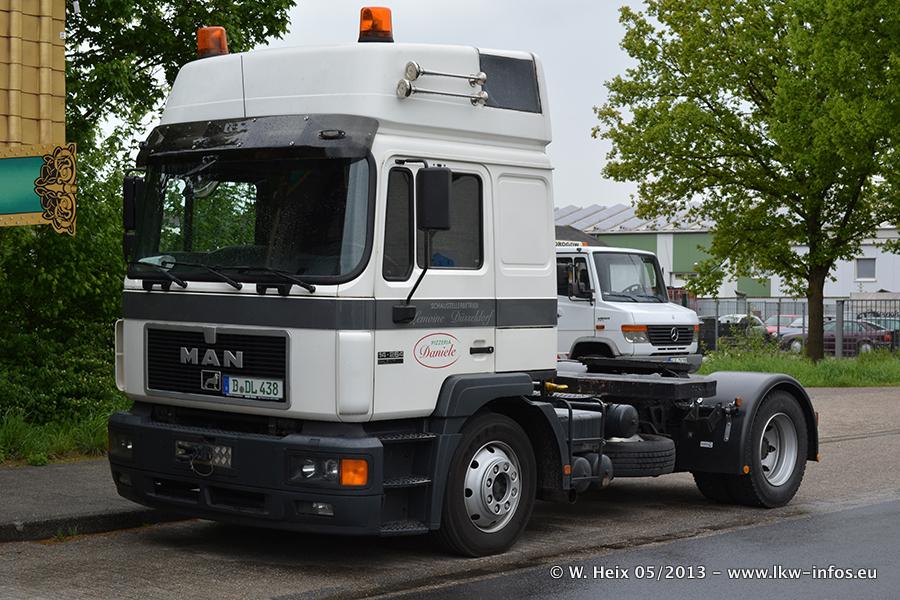 Schaustellerfahrzeuge-20130514-003.jpg