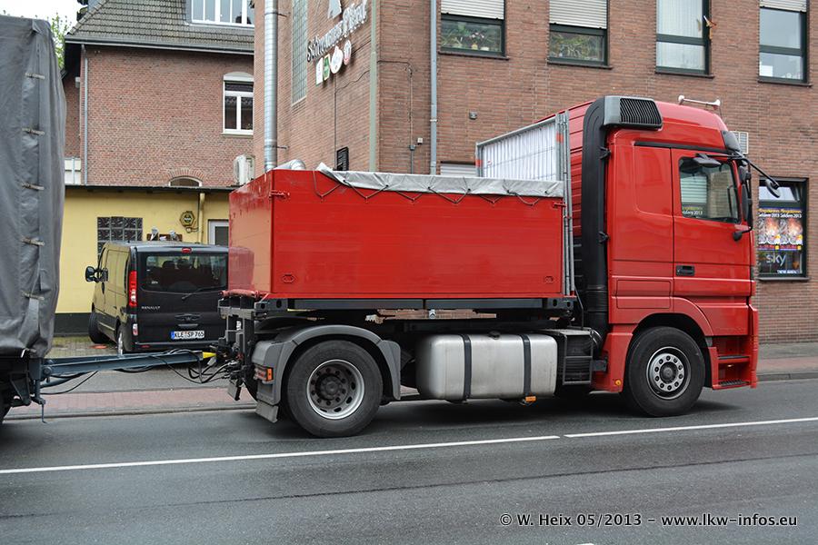 Schaustellerfahrzeuge-20130515-054.jpg