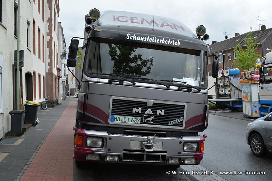 Schaustellerfahrzeuge-20130515-080.jpg