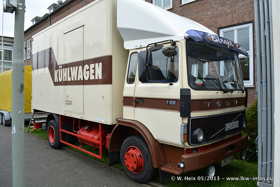 Schaustellerfahrzeuge-20130515-093.jpg