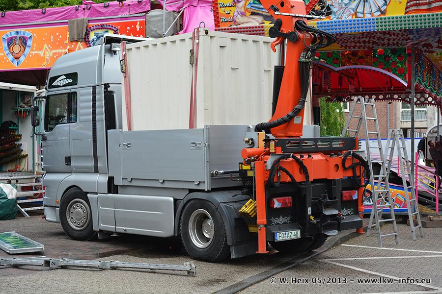 Schaustellerfahrzeuge-20130515-096.jpg
