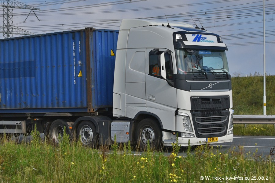 202108205-Rotterdam-Maasflakte-A15-00082.jpg