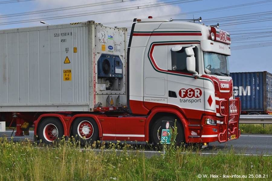 202108205-Rotterdam-Maasflakte-A15-00102.jpg