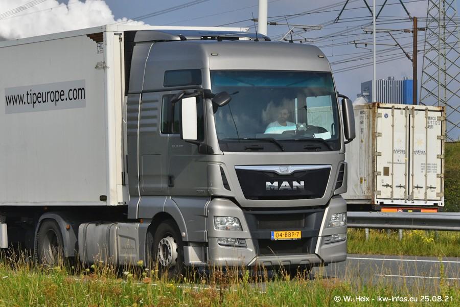 202108205-Rotterdam-Maasflakte-A15-00109.jpg