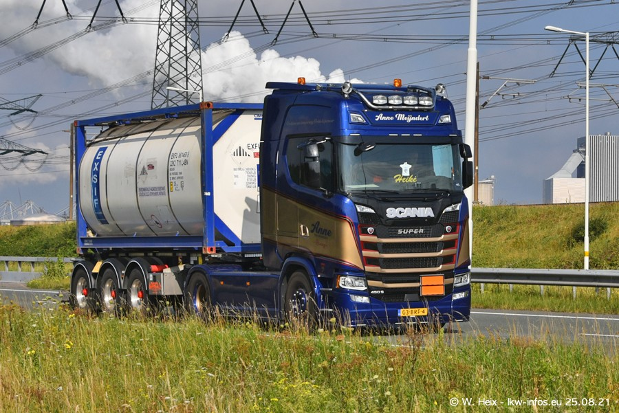 202108205-Rotterdam-Maasflakte-A15-00124.jpg