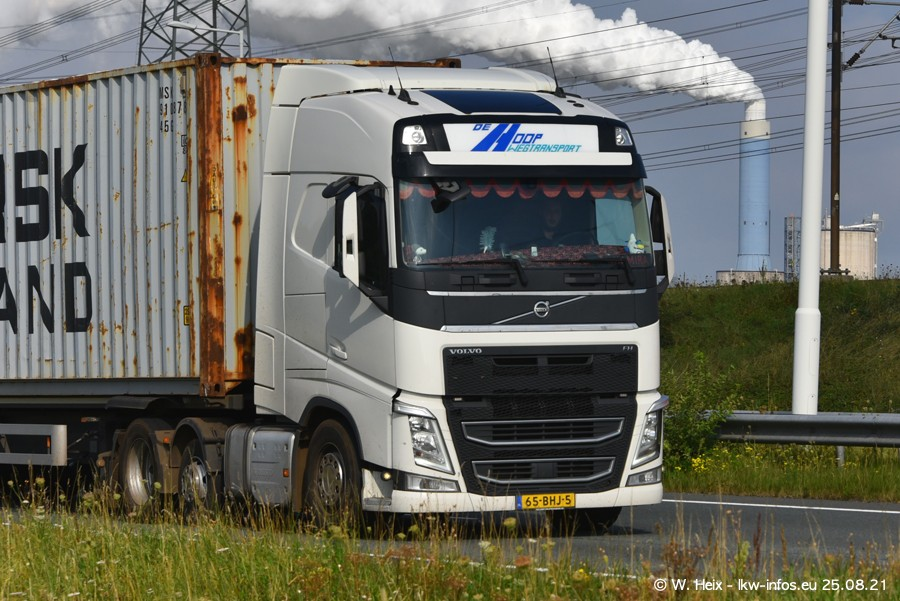 202108205-Rotterdam-Maasflakte-A15-00126.jpg