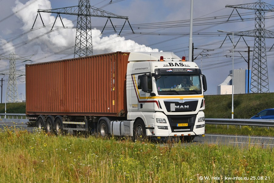 202108205-Rotterdam-Maasflakte-A15-00149.jpg