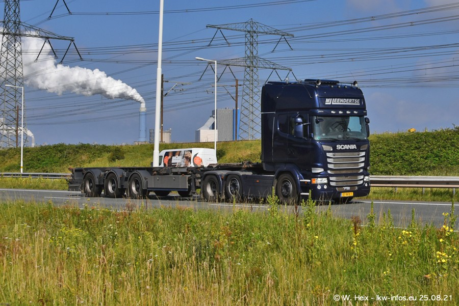 202108205-Rotterdam-Maasflakte-A15-00271.jpg