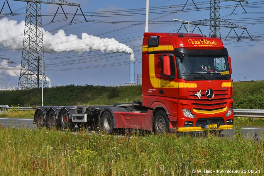 202108205-Rotterdam-Maasflakte-A15-00297.jpg