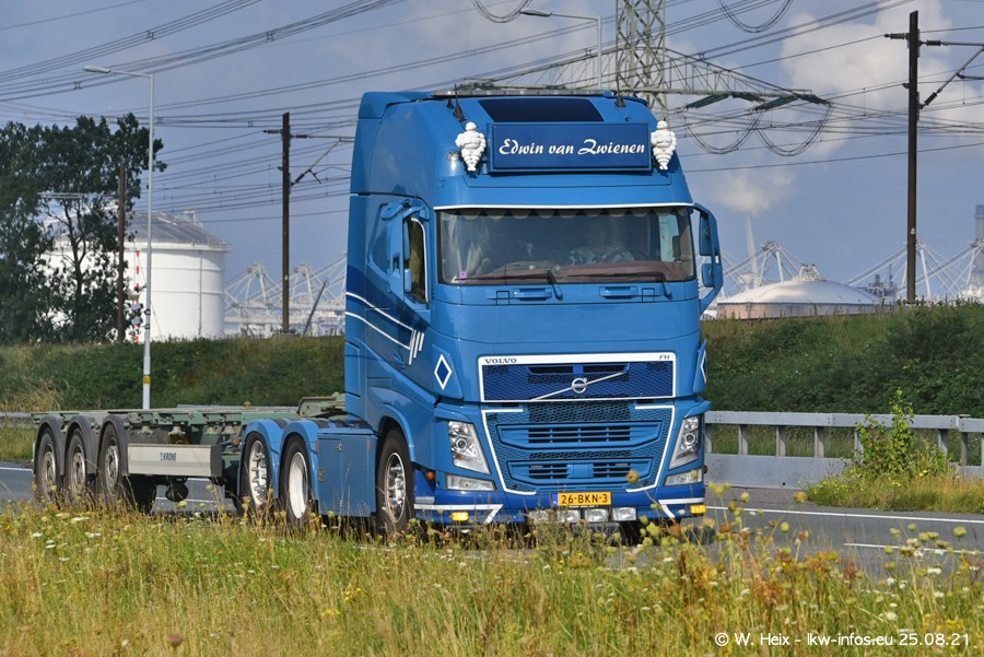 202108205-Rotterdam-Maasflakte-A15-00308.jpg