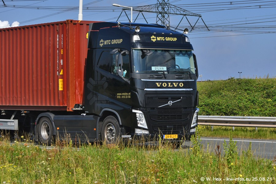 202108205-Rotterdam-Maasflakte-A15-00338.jpg