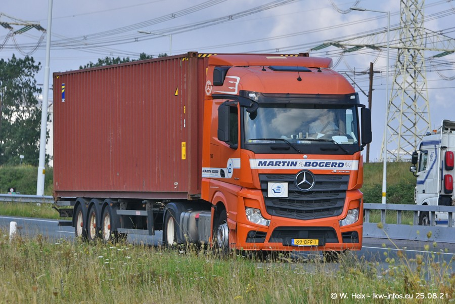 202108205-Rotterdam-Maasflakte-A15-00385.jpg