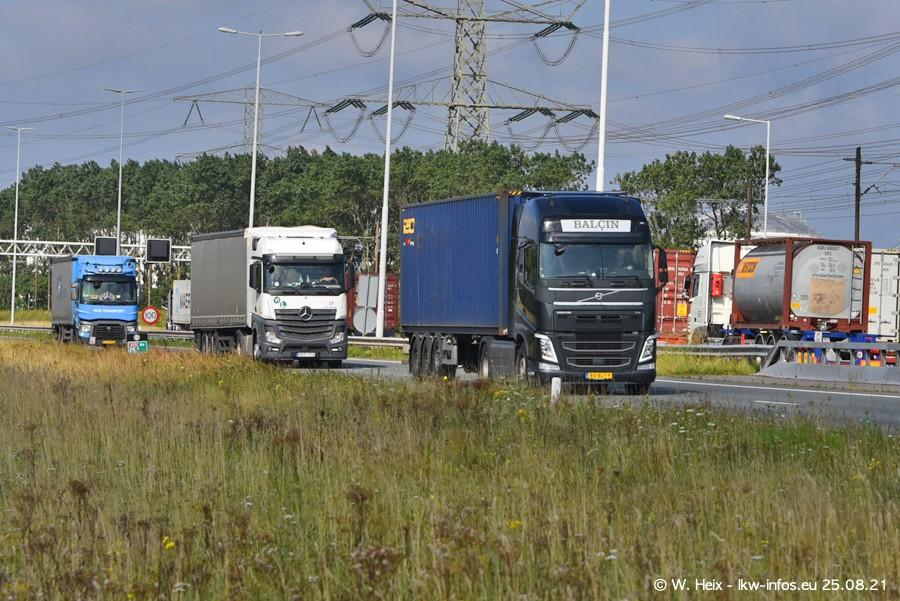 202108205-Rotterdam-Maasflakte-A15-00402.jpg