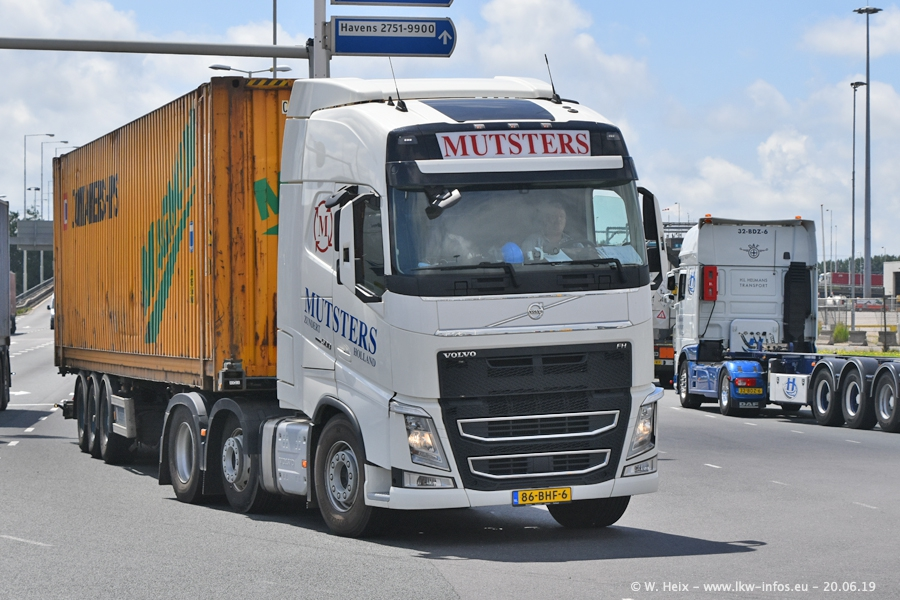 20190620-NL-Rotterdam-Containerhafen-00041.jpg