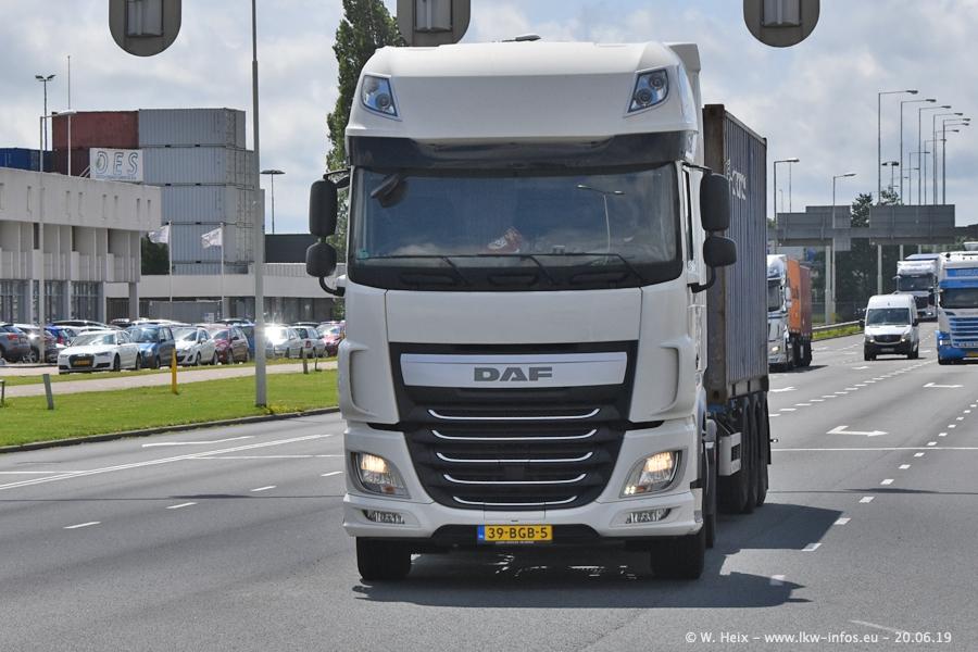 20190620-NL-Rotterdam-Containerhafen-00042.jpg