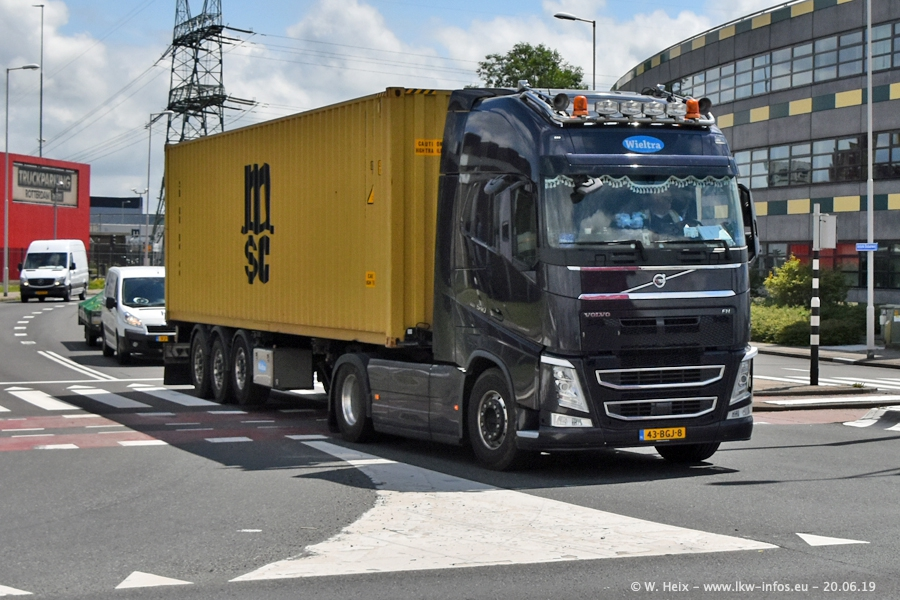 20190620-NL-Rotterdam-Containerhafen-00048.jpg