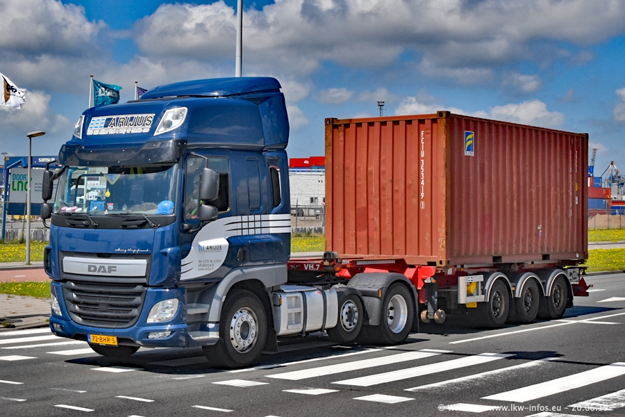 20190621-Rotterdam-Containerhafen-00450.jpg