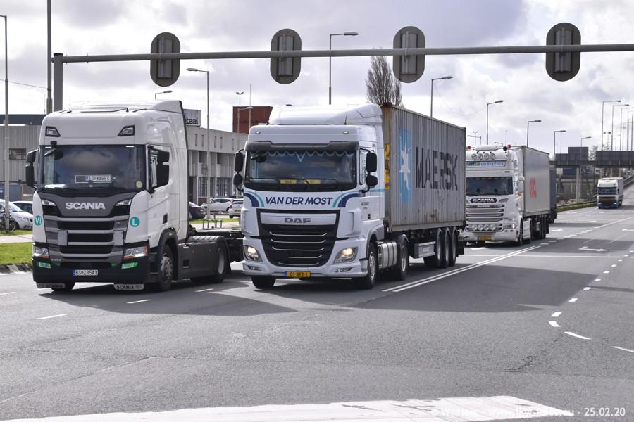 20200801-Rottredam-Containerhafen-00540.jpg