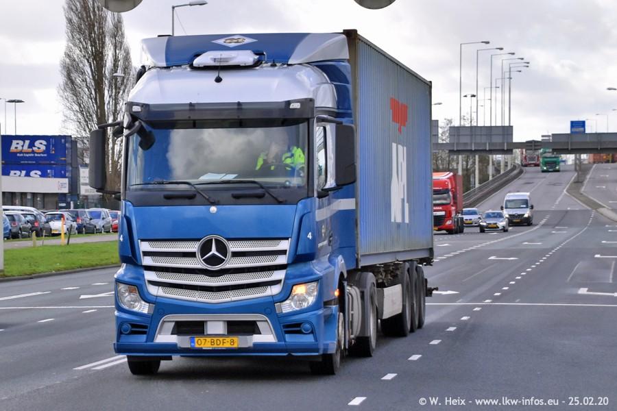 20200801-Rottredam-Containerhafen-00012.jpg