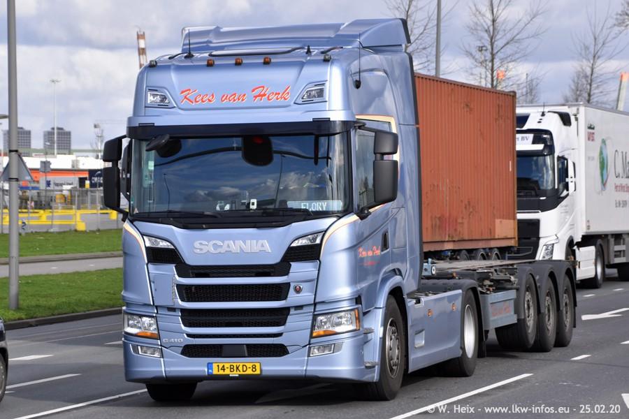 20200801-Rottredam-Containerhafen-00272.jpg