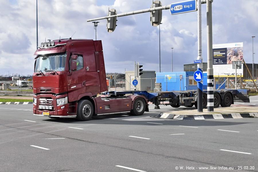 2020816-Rotterdam-Containerhafen-00009.jpg