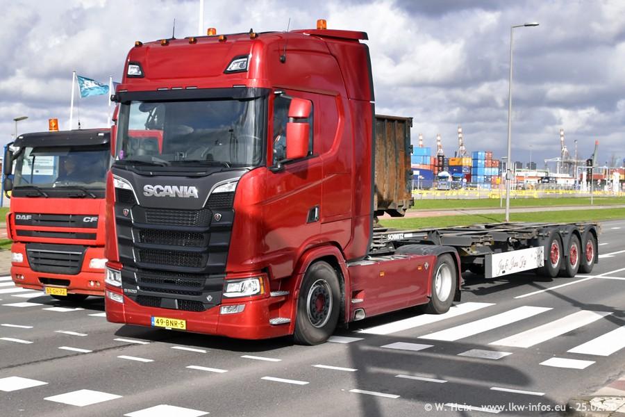 2020816-Rotterdam-Containerhafen-00012.jpg
