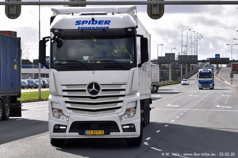 2020816-Rotterdam-Containerhafen-00038.jpg