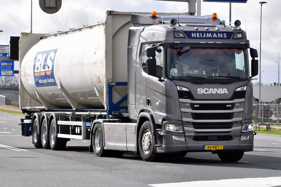 2020816-Rotterdam-Containerhafen-00042.jpg