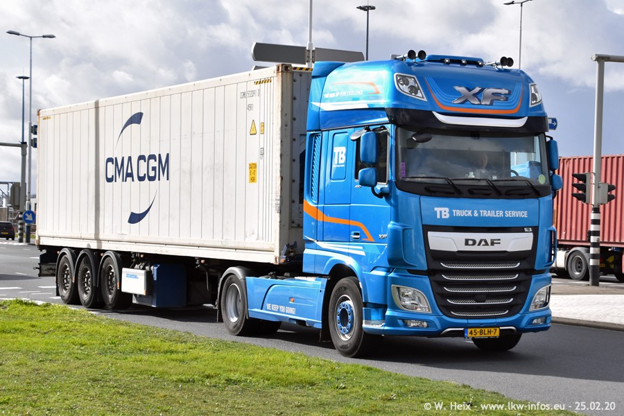 2020816-Rotterdam-Containerhafen-00044.jpg