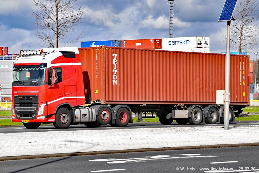 2020816-Rotterdam-Containerhafen-00046.jpg