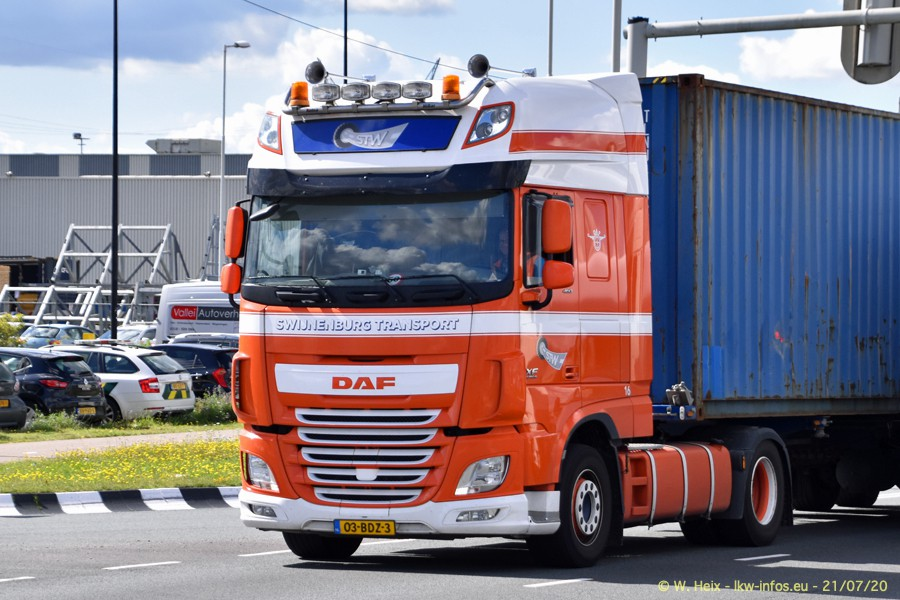 2020816-Rotterdam-Containerhafen-00054.jpg