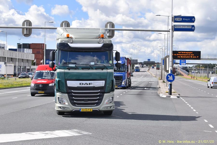 2020816-Rotterdam-Containerhafen-00077.jpg