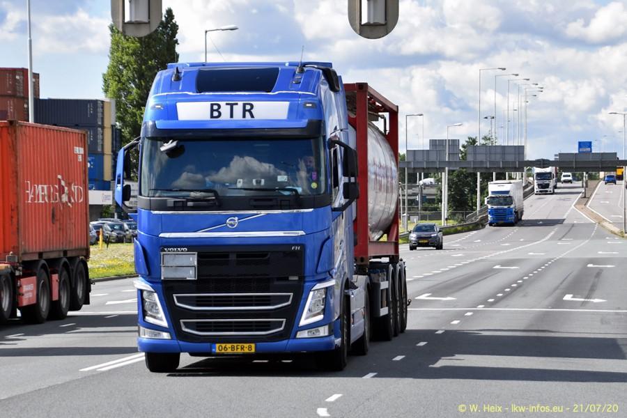 2020816-Rotterdam-Containerhafen-00079.jpg