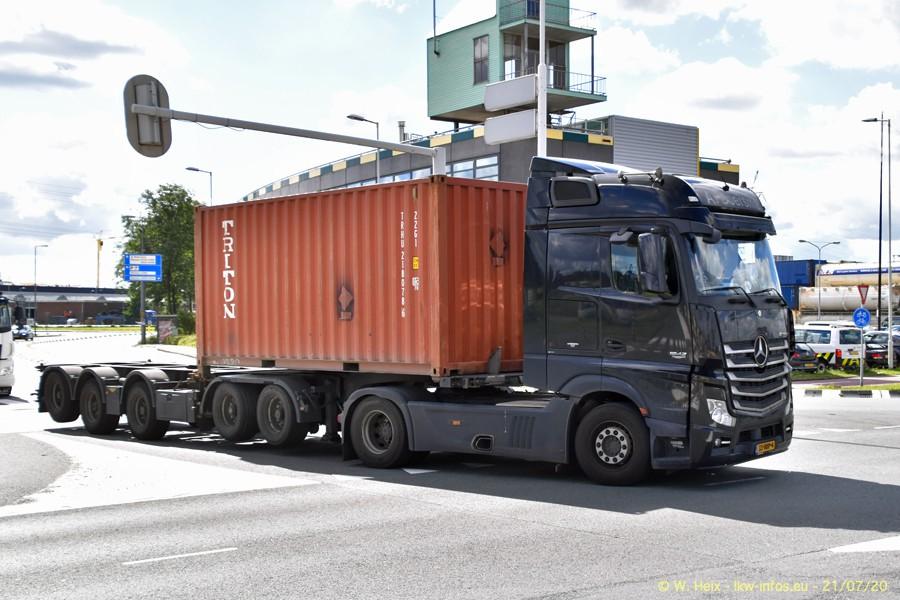 2020816-Rotterdam-Containerhafen-00104.jpg