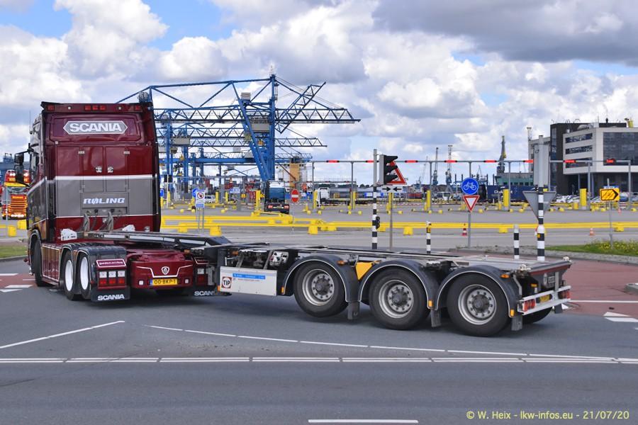 2020816-Rotterdam-Containerhafen-00113.jpg