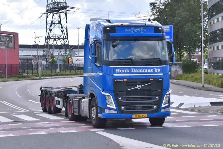 2020816-Rotterdam-Containerhafen-00119.jpg
