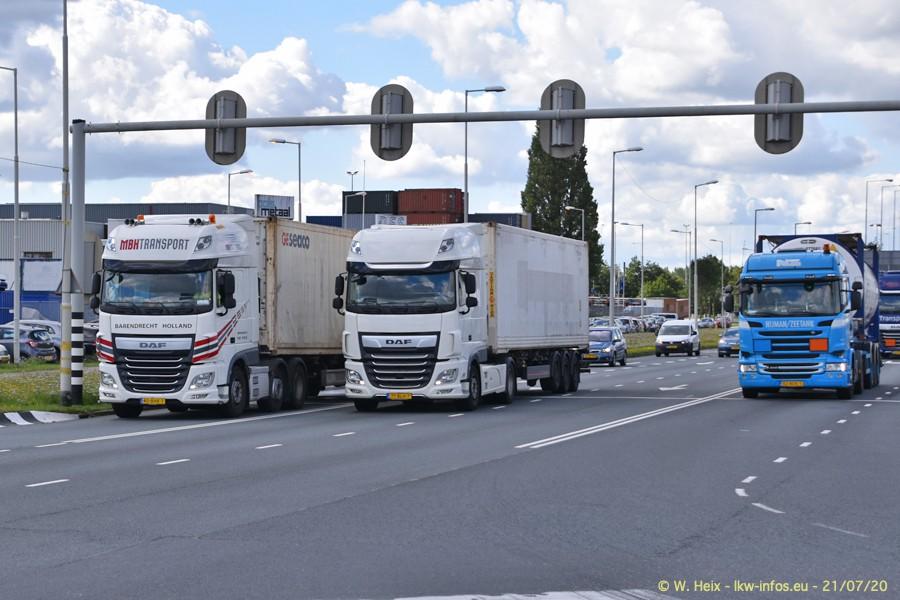 2020816-Rotterdam-Containerhafen-00122.jpg