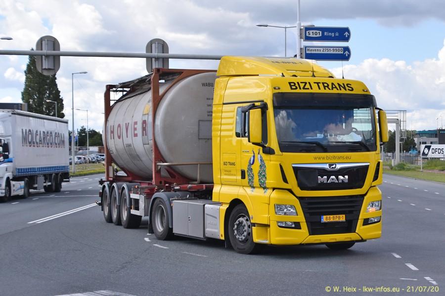 2020816-Rotterdam-Containerhafen-00135.jpg