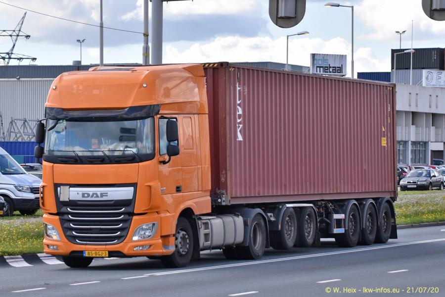 2020816-Rotterdam-Containerhafen-00142.jpg