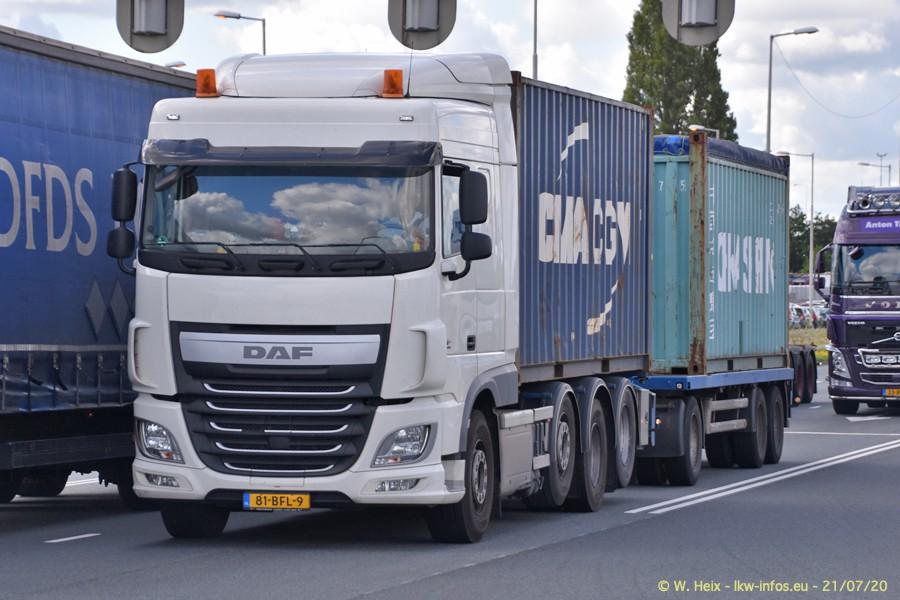 2020816-Rotterdam-Containerhafen-00146.jpg