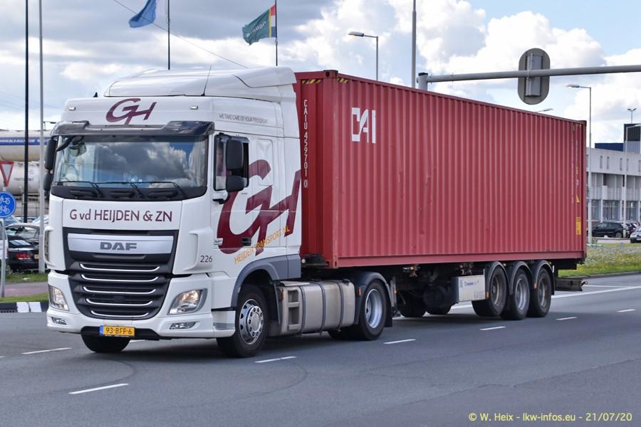 2020816-Rotterdam-Containerhafen-00153.jpg
