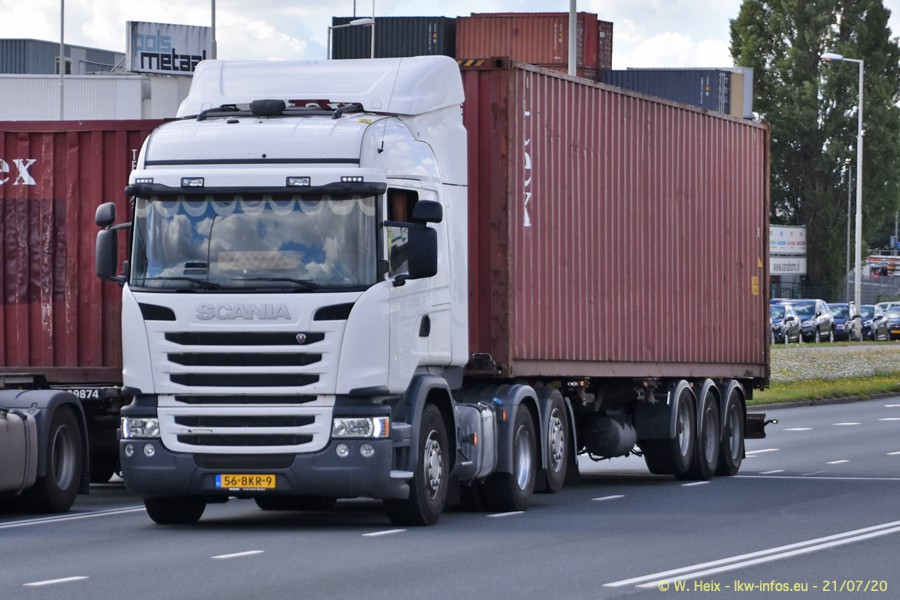 2020816-Rotterdam-Containerhafen-00164.jpg