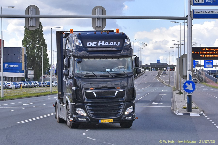 2020816-Rotterdam-Containerhafen-00175.jpg