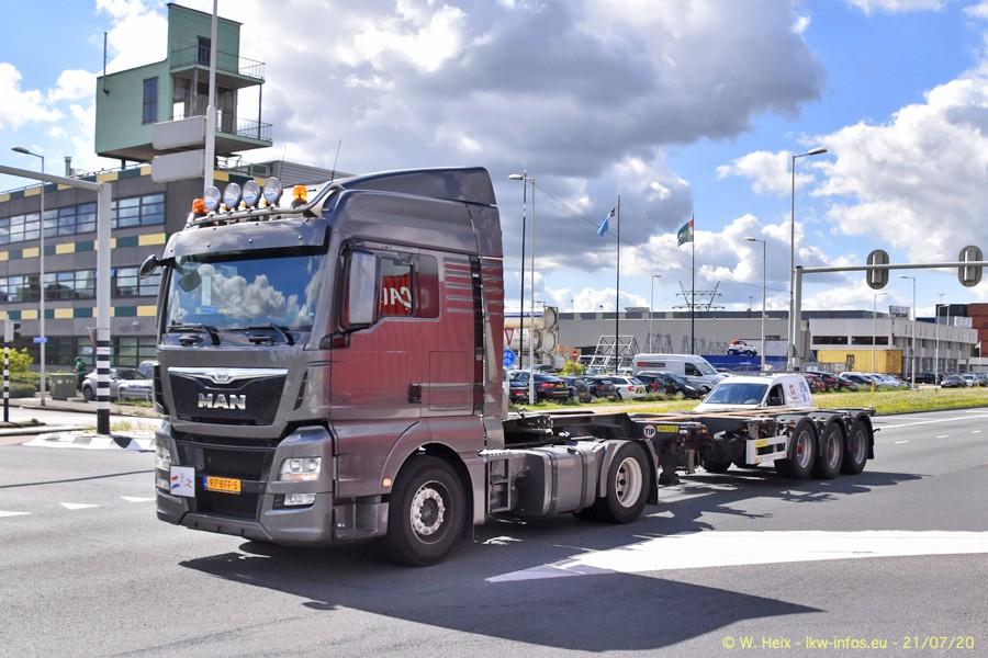 2020816-Rotterdam-Containerhafen-00198.jpg