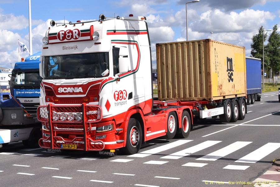 2020816-Rotterdam-Containerhafen-00203.jpg