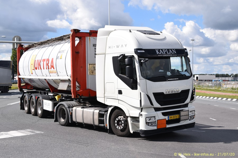 2020816-Rotterdam-Containerhafen-00206.jpg
