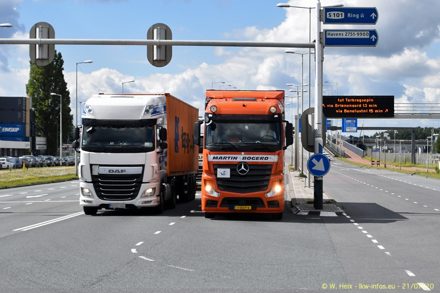 2020816-Rotterdam-Containerhafen-00243.jpg