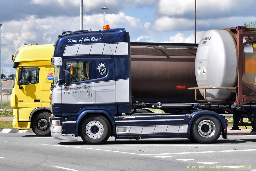 2020816-Rotterdam-Containerhafen-00252.jpg